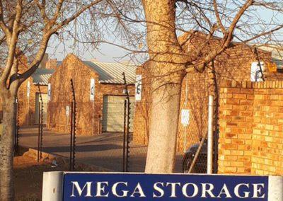 Mega Storage Facilities in Silverton